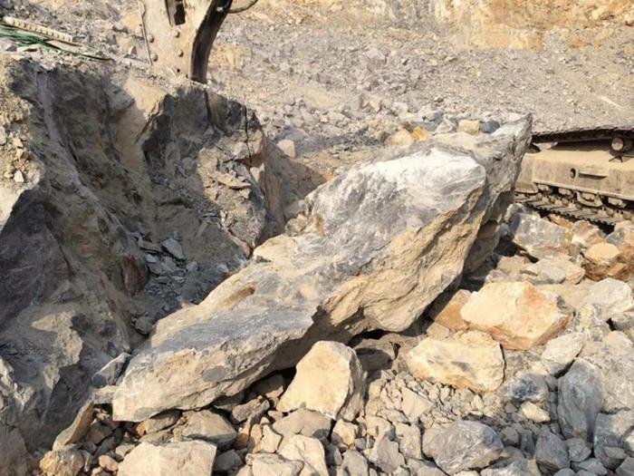 湖南永州静态破石头机器硬石头破裂机货到付款