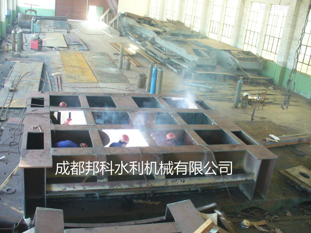 黔东南剑河翻板钢闸门 /  液压翻板闸门