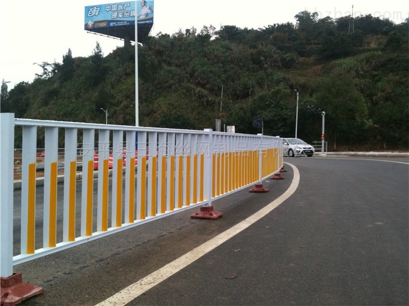 城市道路交通隔离防撞护栏