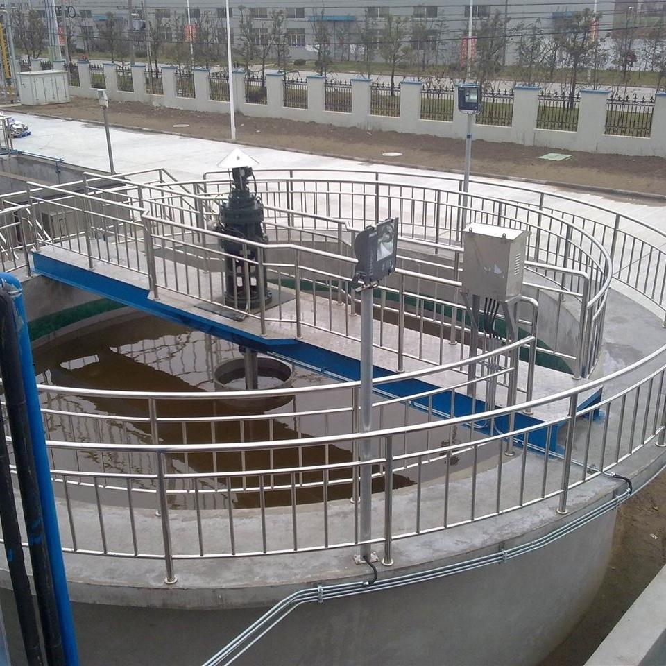 重力式污泥浓缩池刮泥机