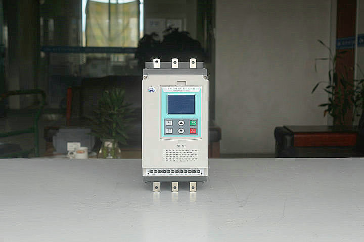 直接使用的在线软起动器  一用一备起动柜等多控起动柜,电机正反转