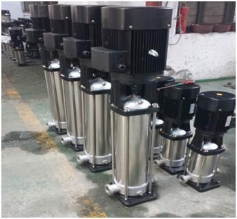 整体不锈钢材质的QDL8-200水泵和CDL8-20水泵实物图